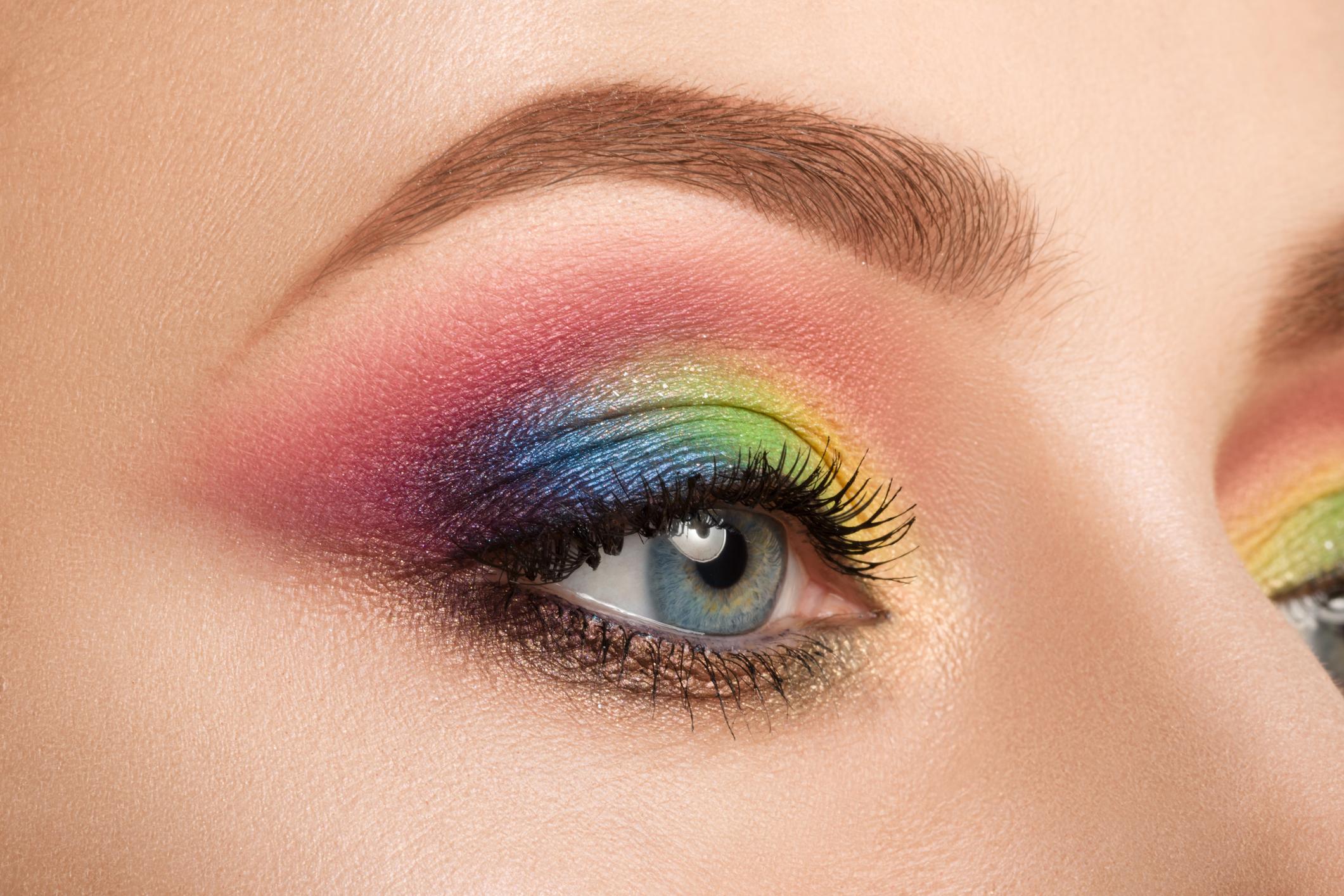 Синий макияж разноцветный