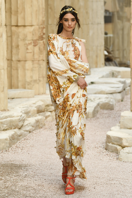 Шанель 2018 платье