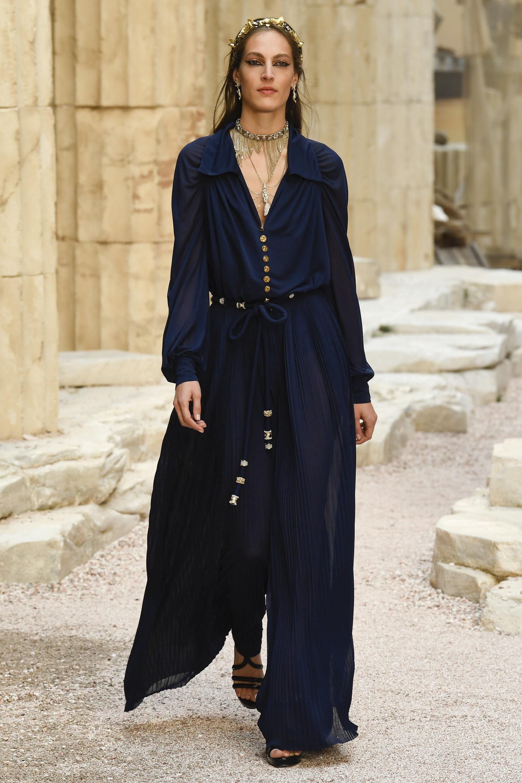 Шанель 2018 синее платье