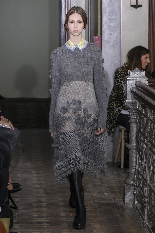 Платье зима 2018 серое