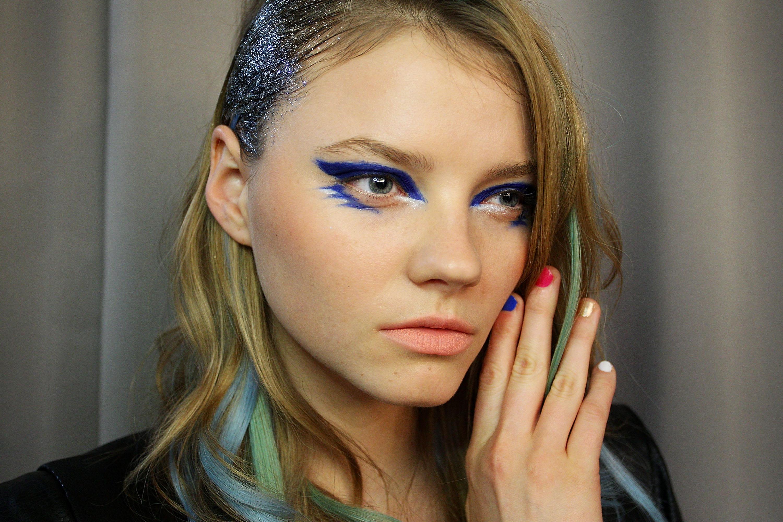 Синий макияж тематический