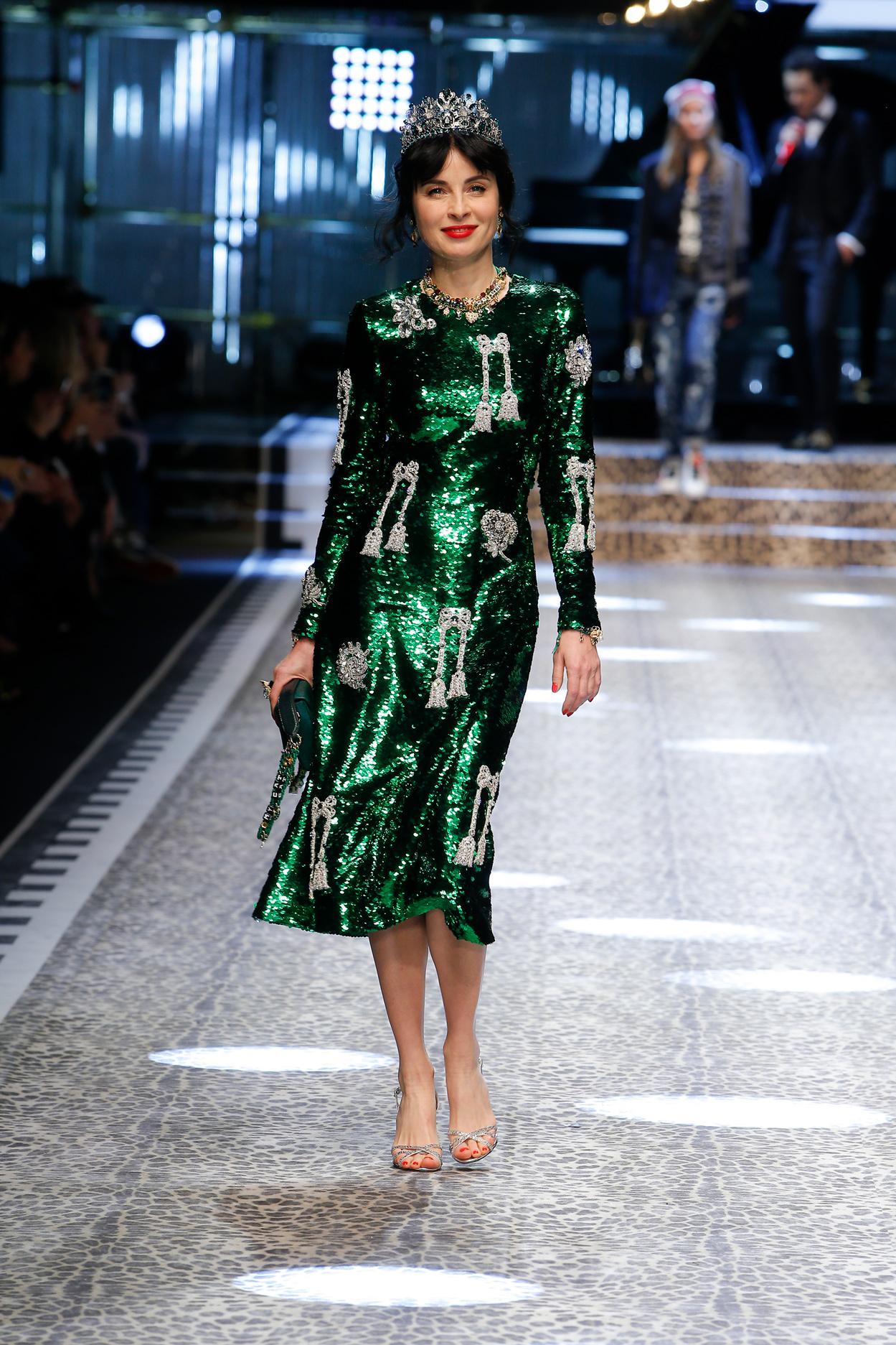 Дольче габбана осень зима 2017 зеленое платье