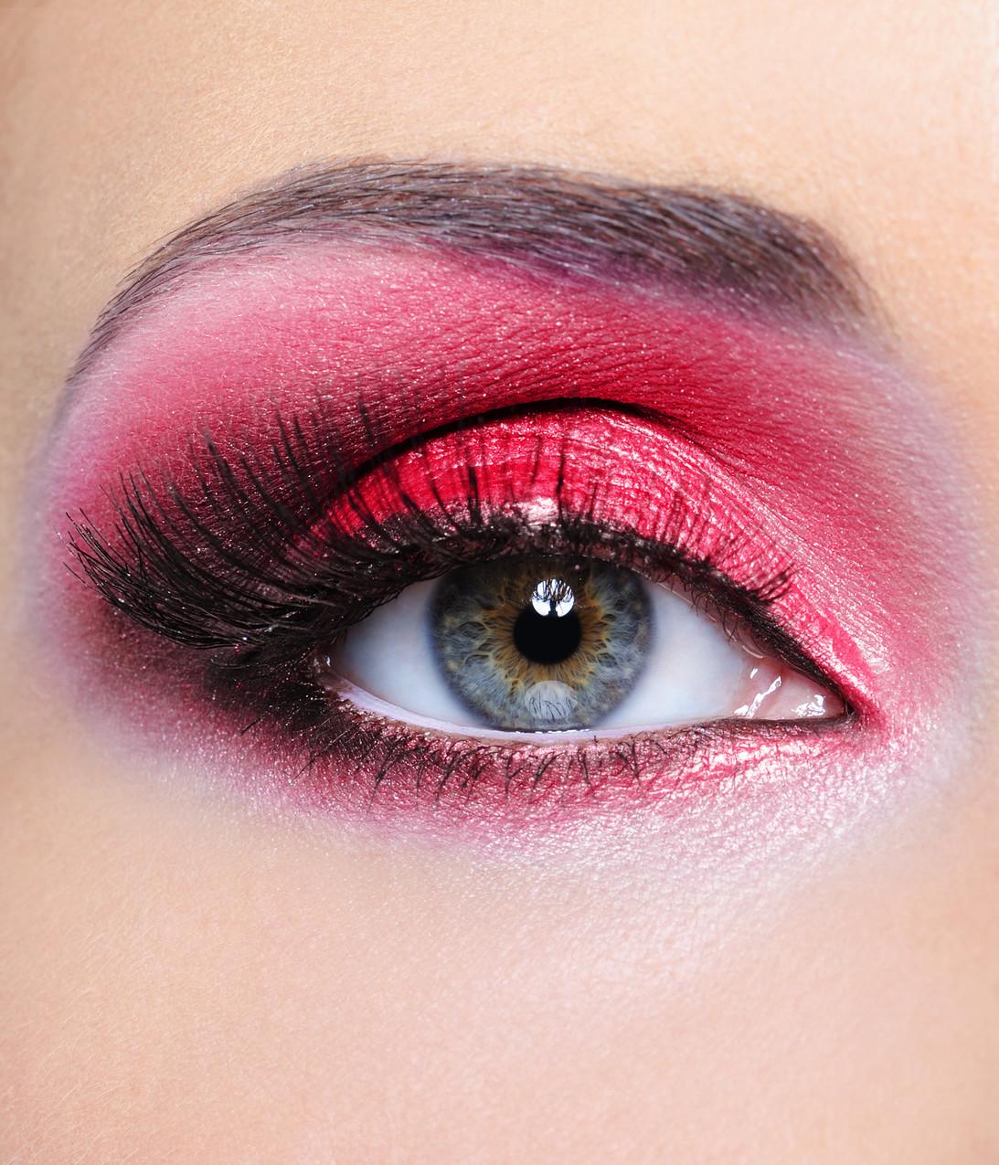 Красный макияж зимний
