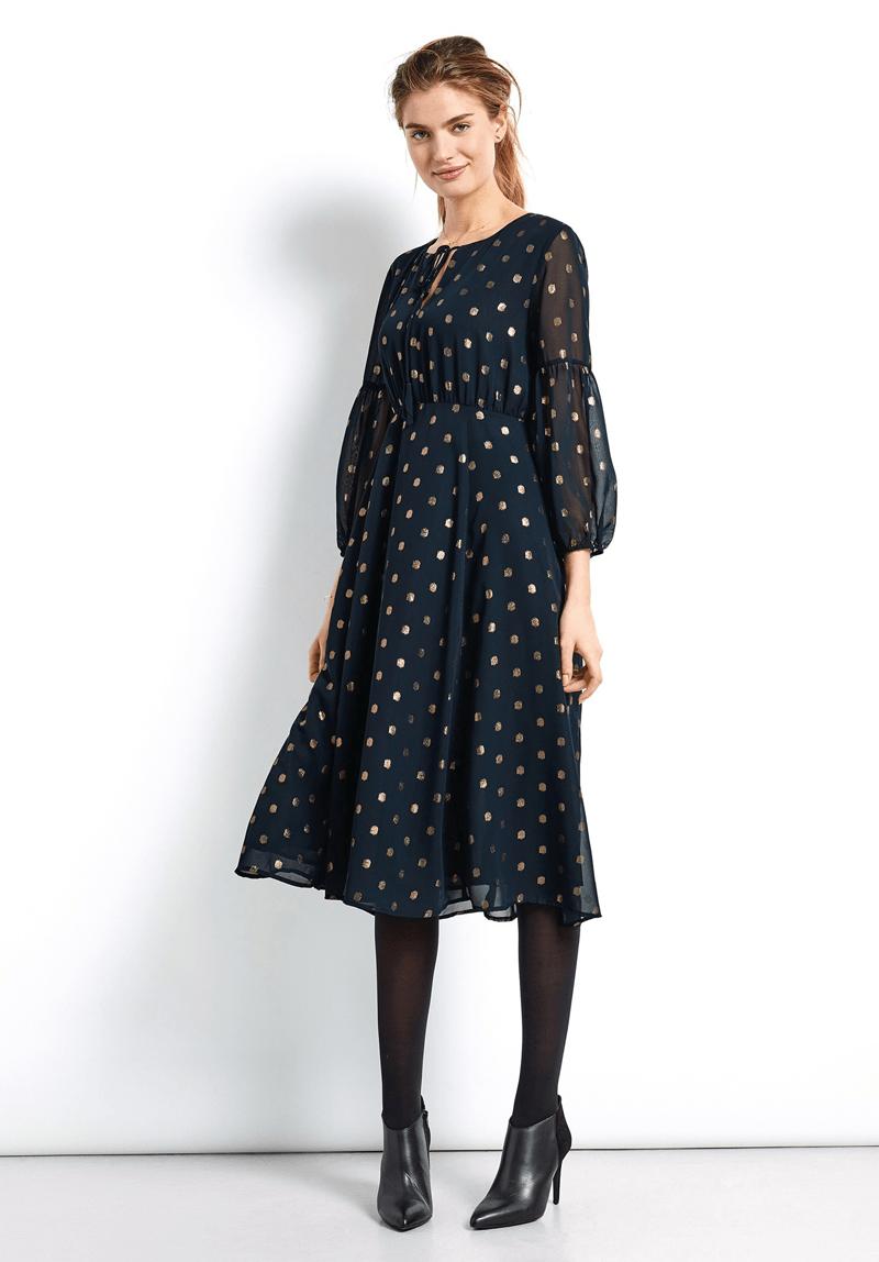 Платье для женщины 40 лет в золотой горошек