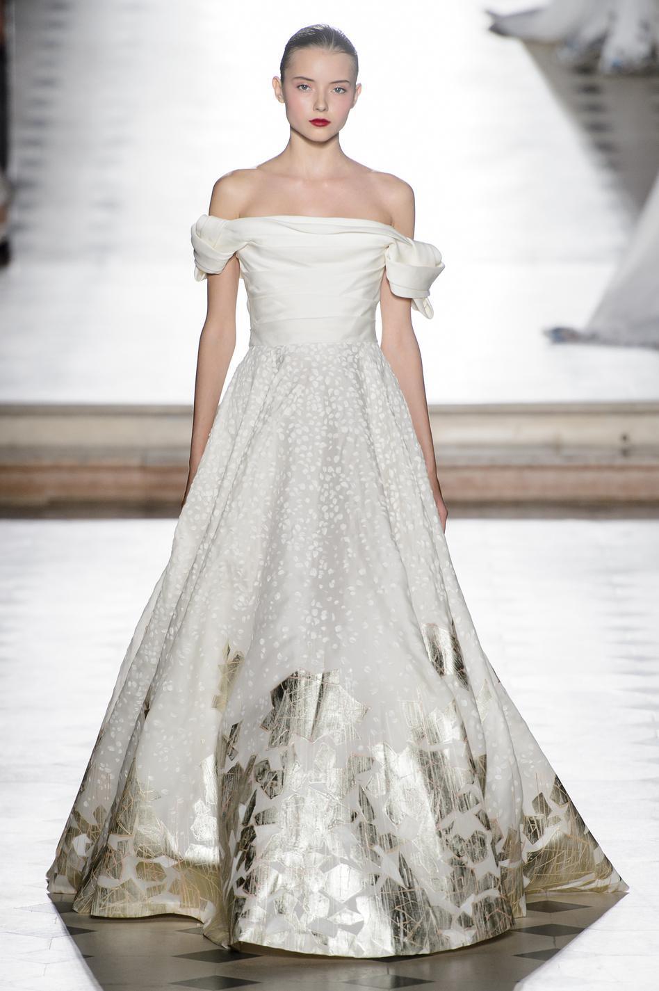 Свадебное платье 2018 атласное зимнее