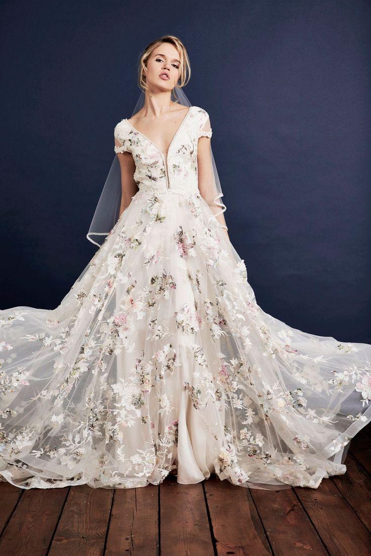 Свадебное платье 2018 с цветочным декором