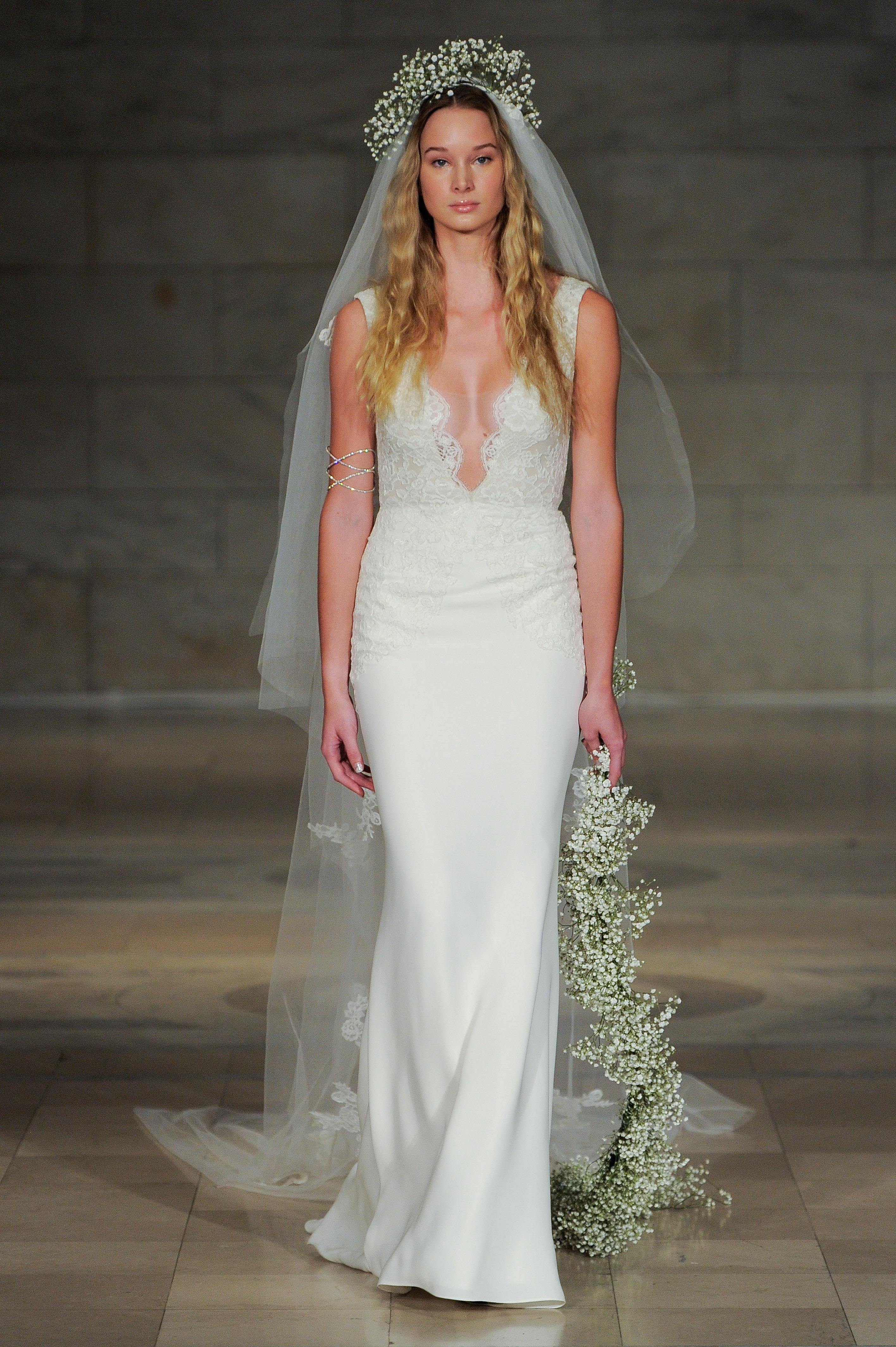 Свадебное платье 2018 с декольте