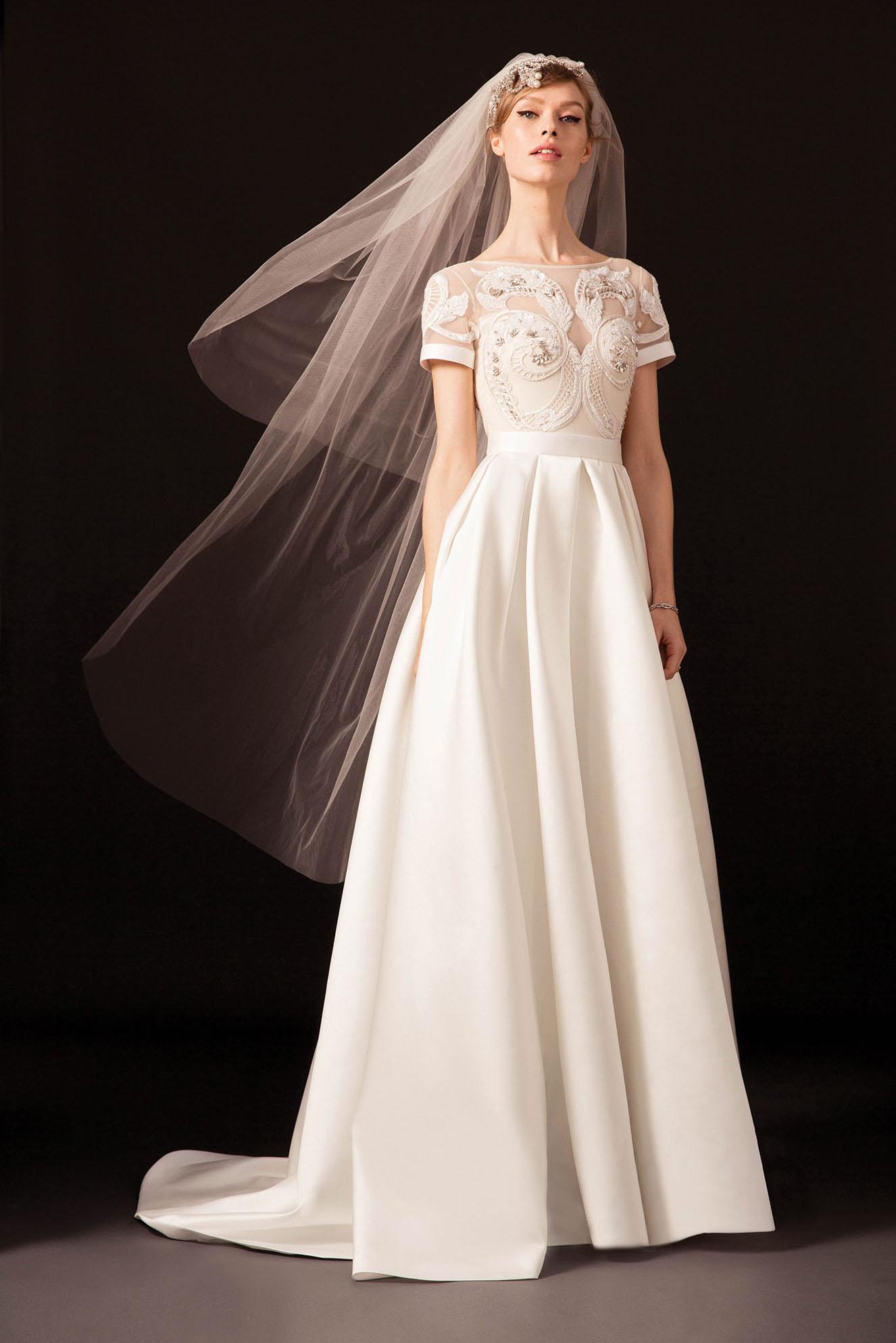 Свадебное платье 2018 с декором на лифе