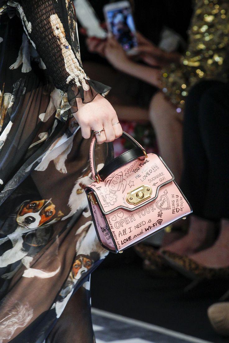 Бренды сумок Dolce Gabbana розовая