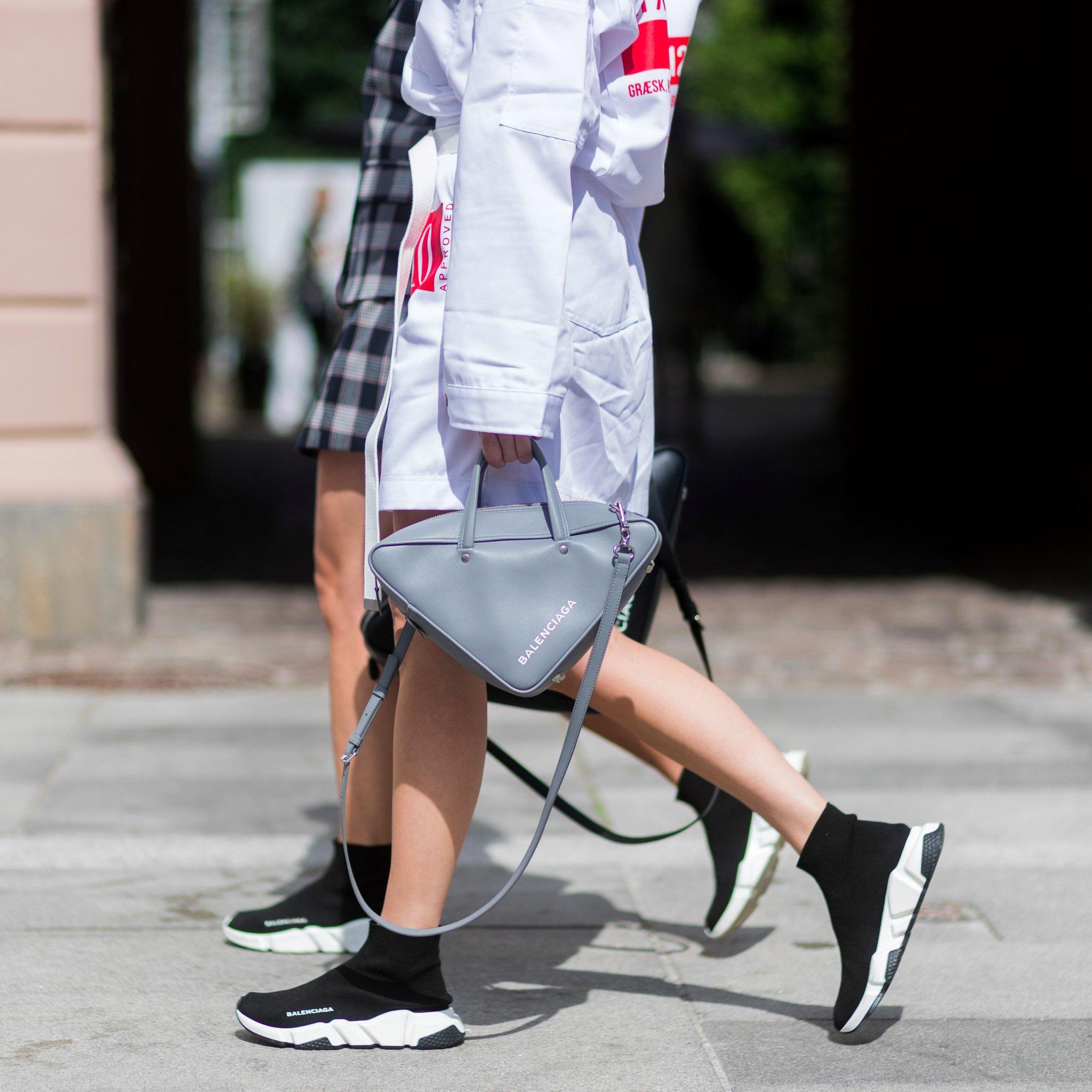 Дутики женские кроссовки