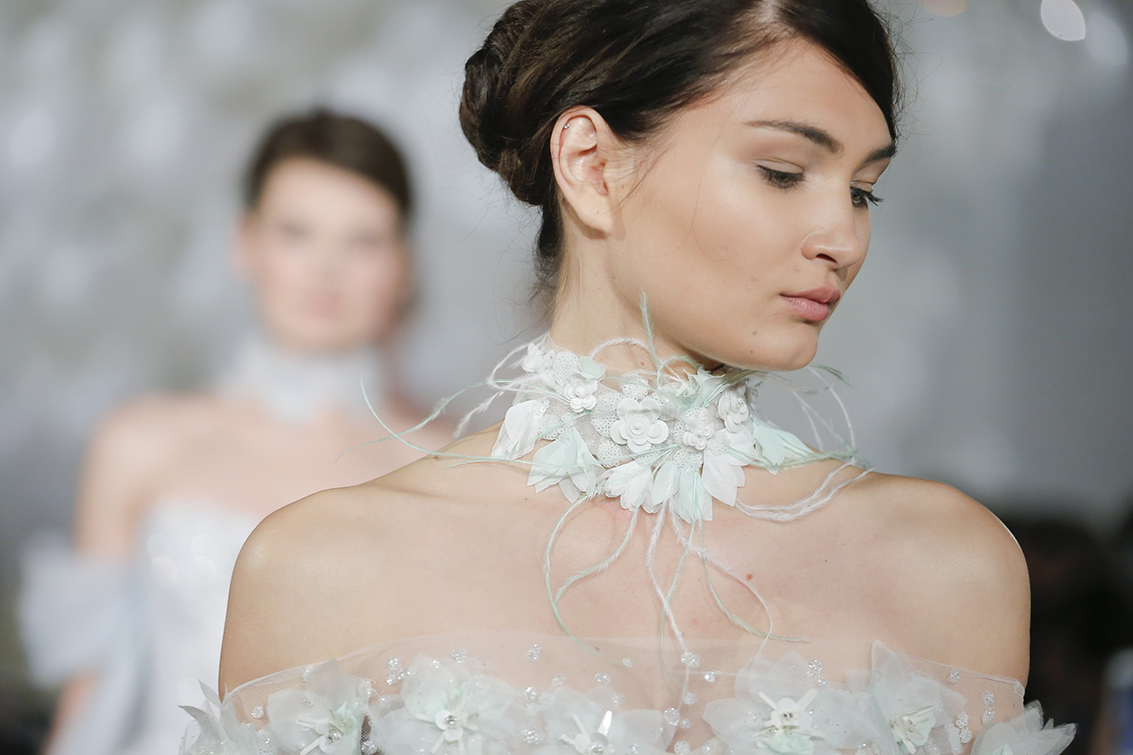 Свадебное платье 2018 с колье