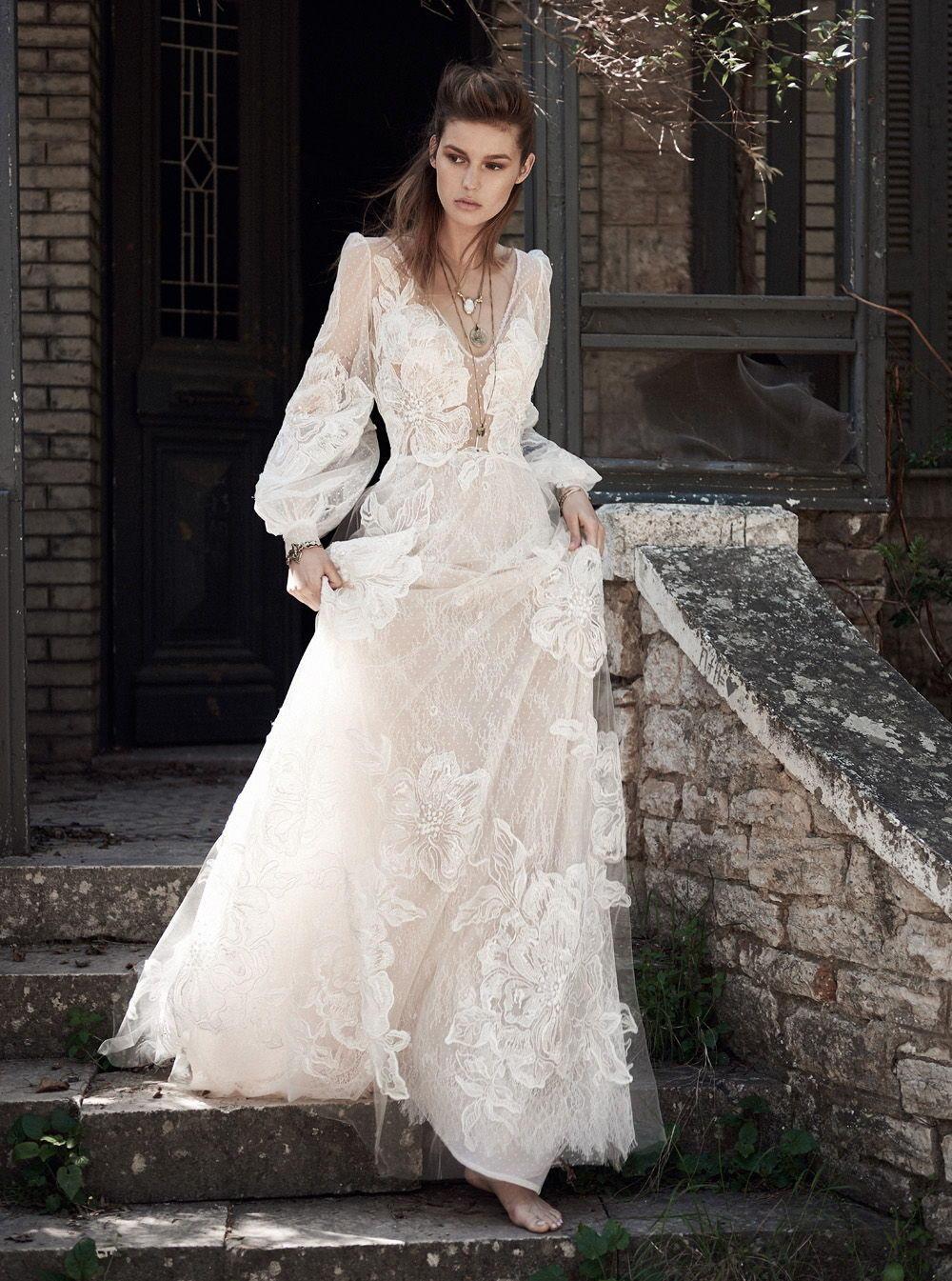 Свадебное платье 2018 с крупными цветами