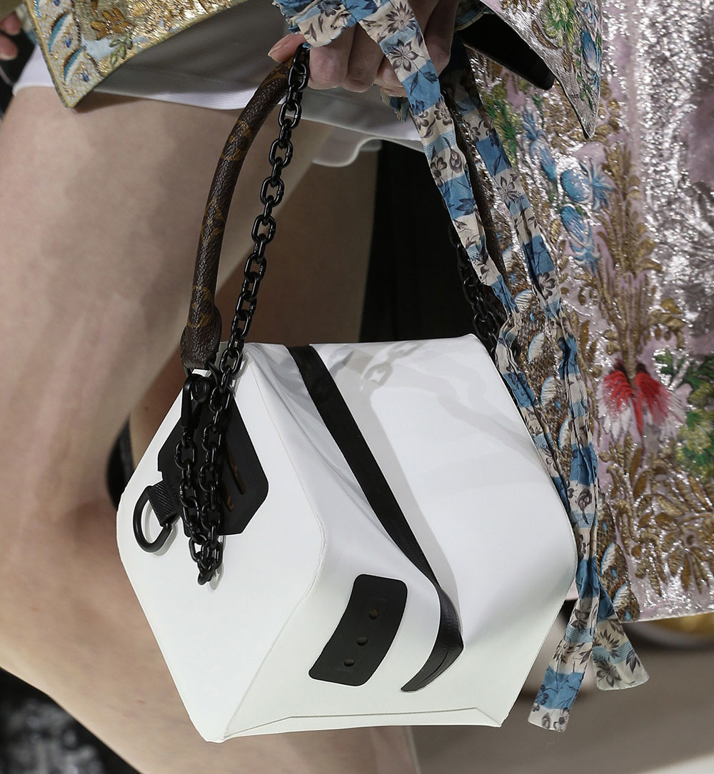 Бренды сумок Louis Vuitton белая