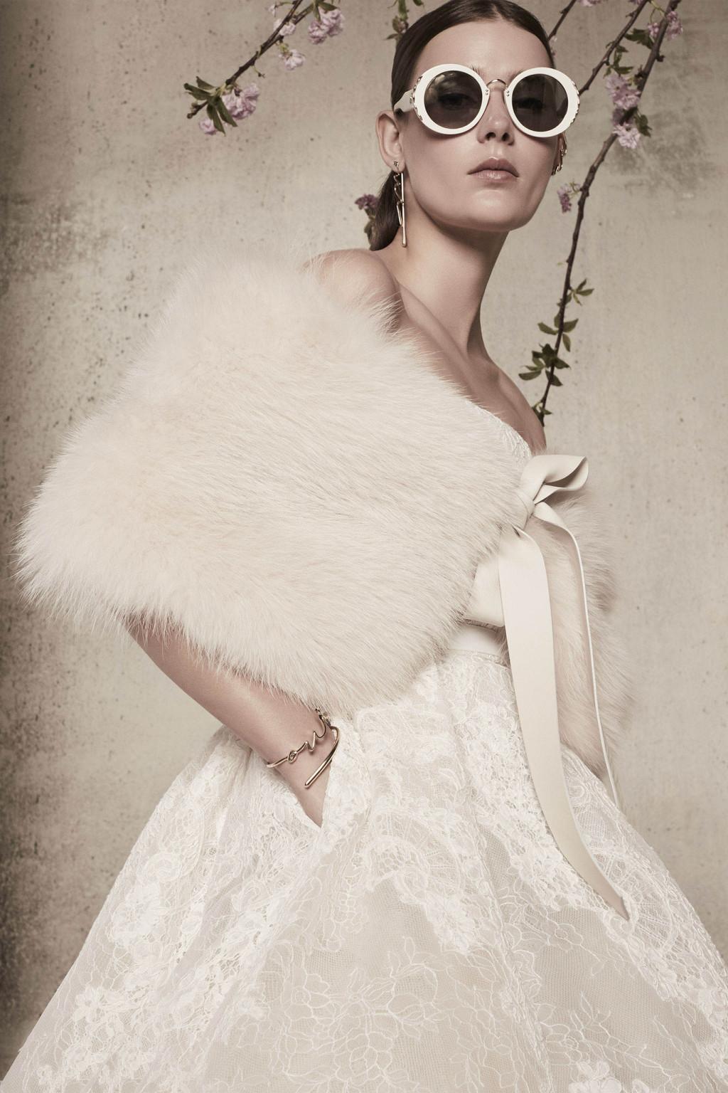 Свадебное платье 2018 с меховым болеро