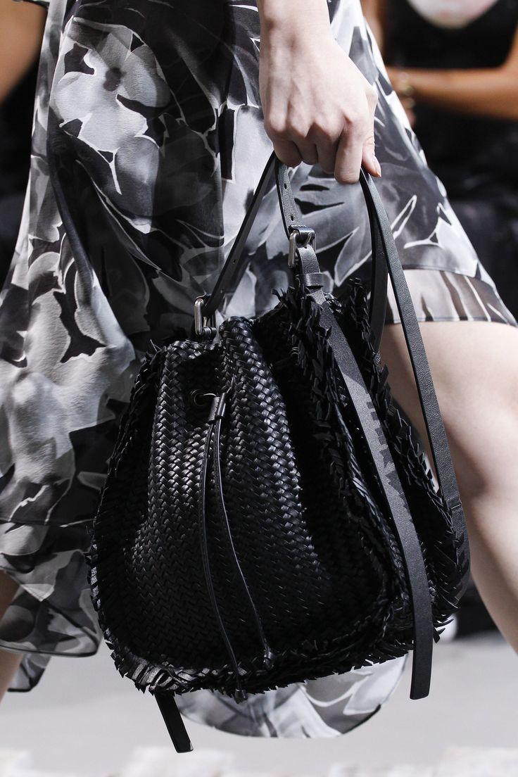Бренды сумок Michael Kors черная