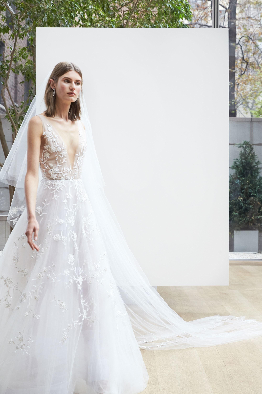Свадебное платье 2018 открытое