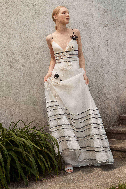 Свадебное платье 2018 в полоску