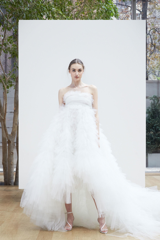 Свадебное платье 2018 пышное асимметричное