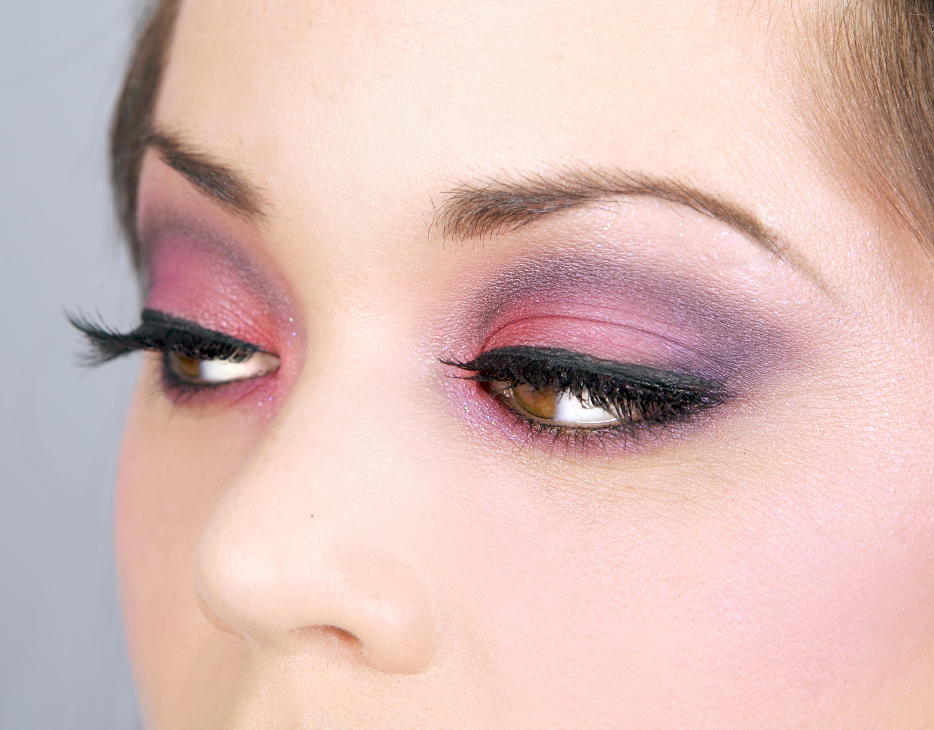 Макияж смоки розово-фиолетовый