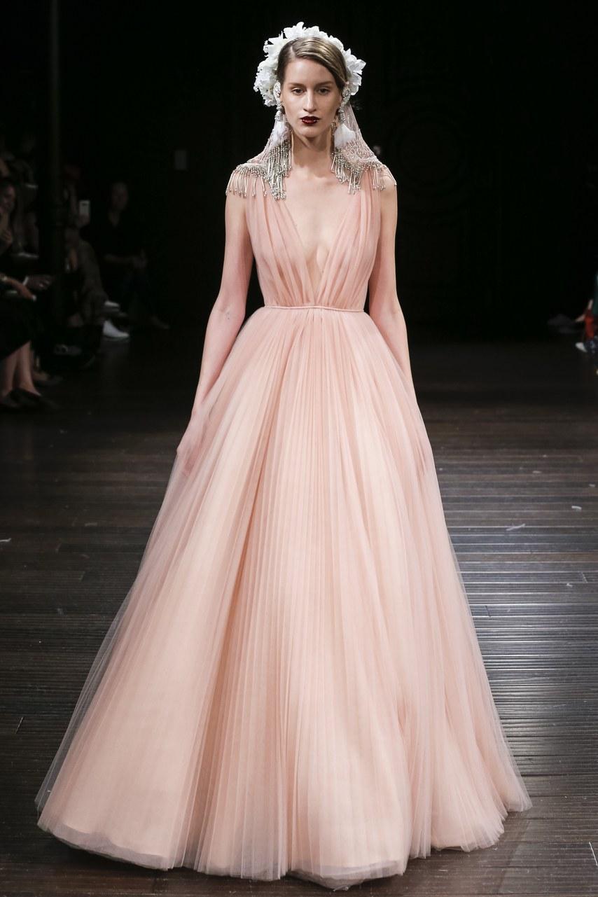 Свадебное платье 2018 светло-розовое