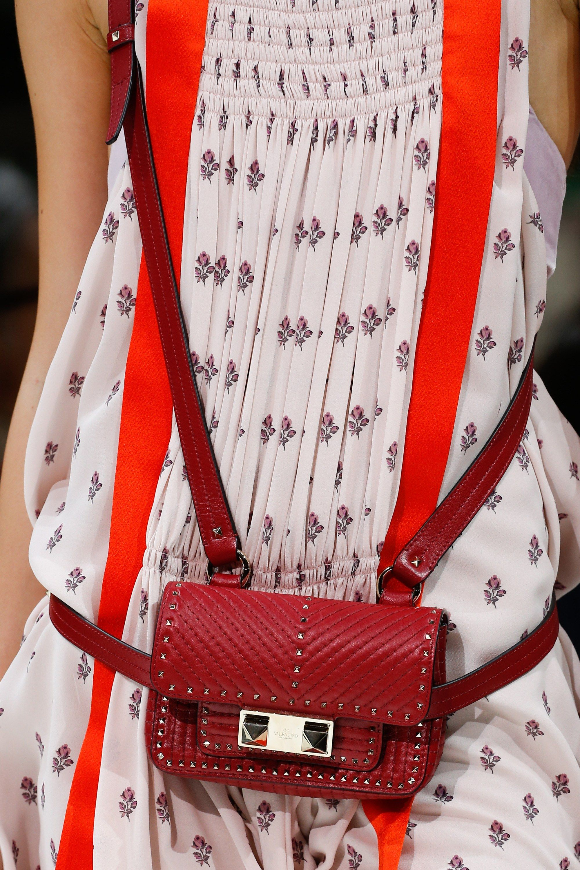 Бренды сумок Valentino на поясе