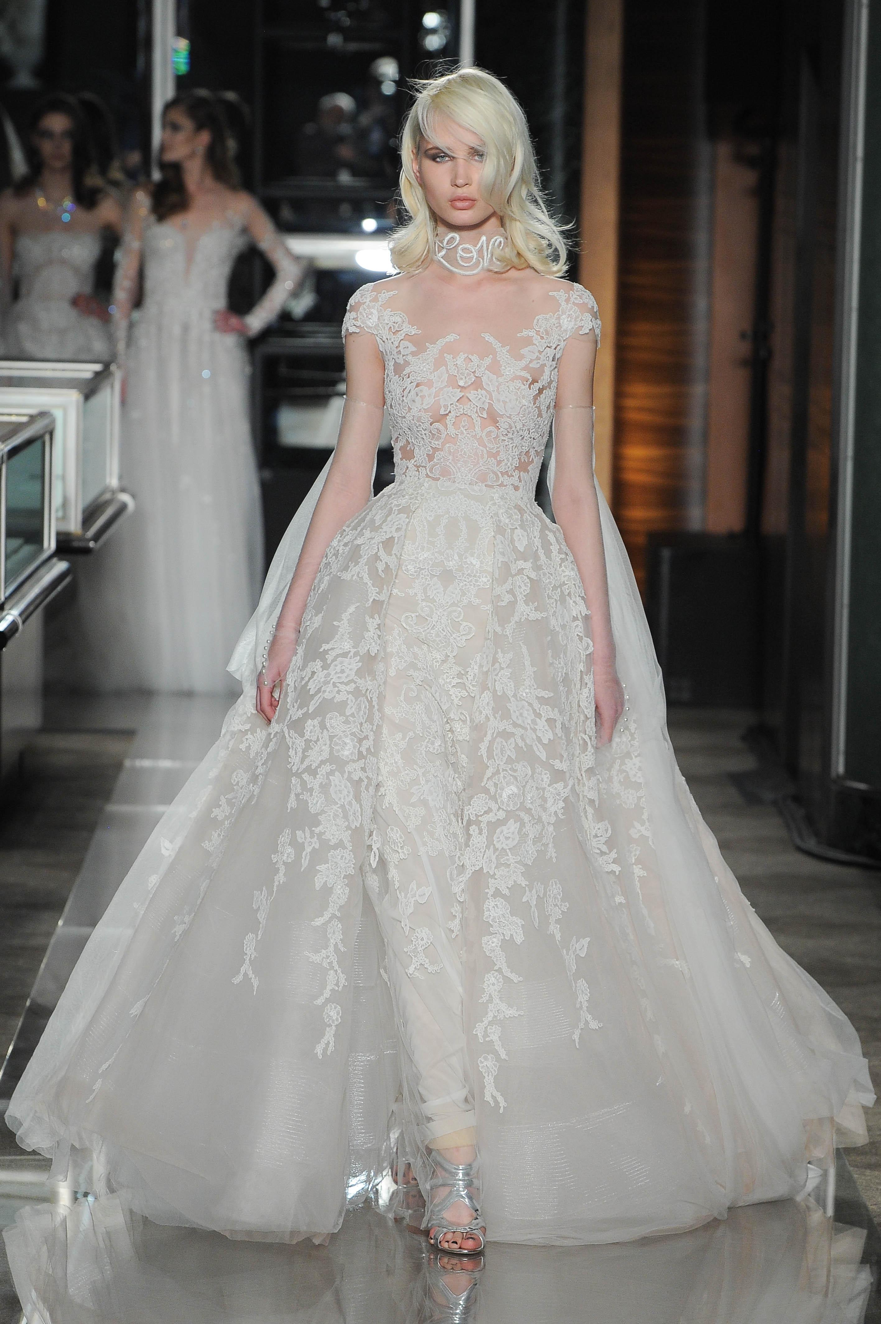 Свадебное платье 2018 с вышивкой на горле