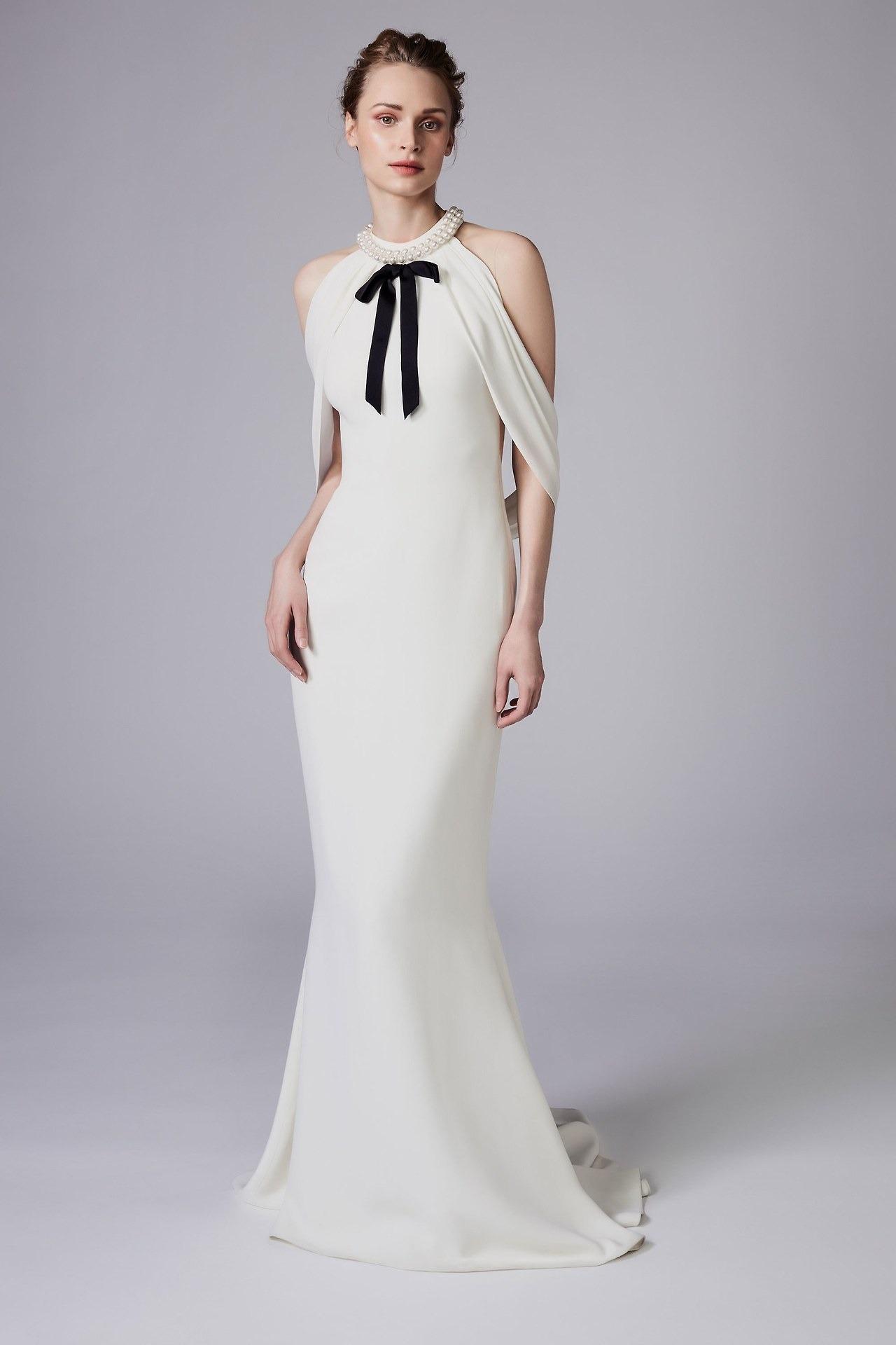 Свадебное платье 2018 с жемчугом на горле