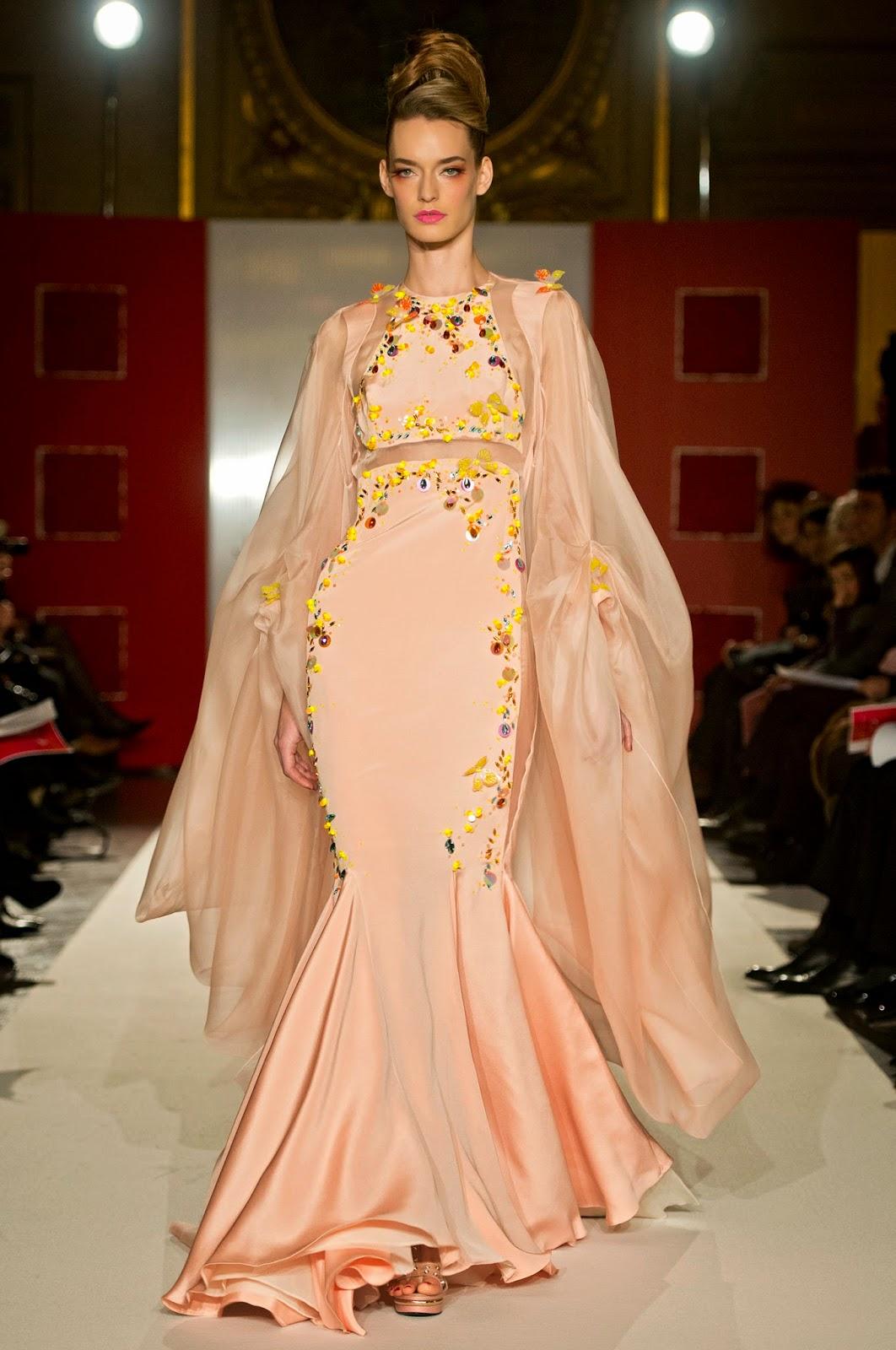 Шелковое платье с бабочками