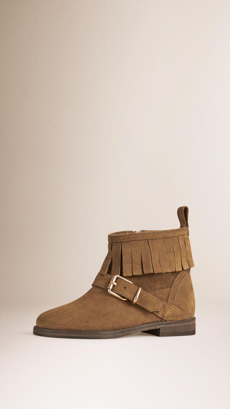 Коричневые ботинки с бахромой
