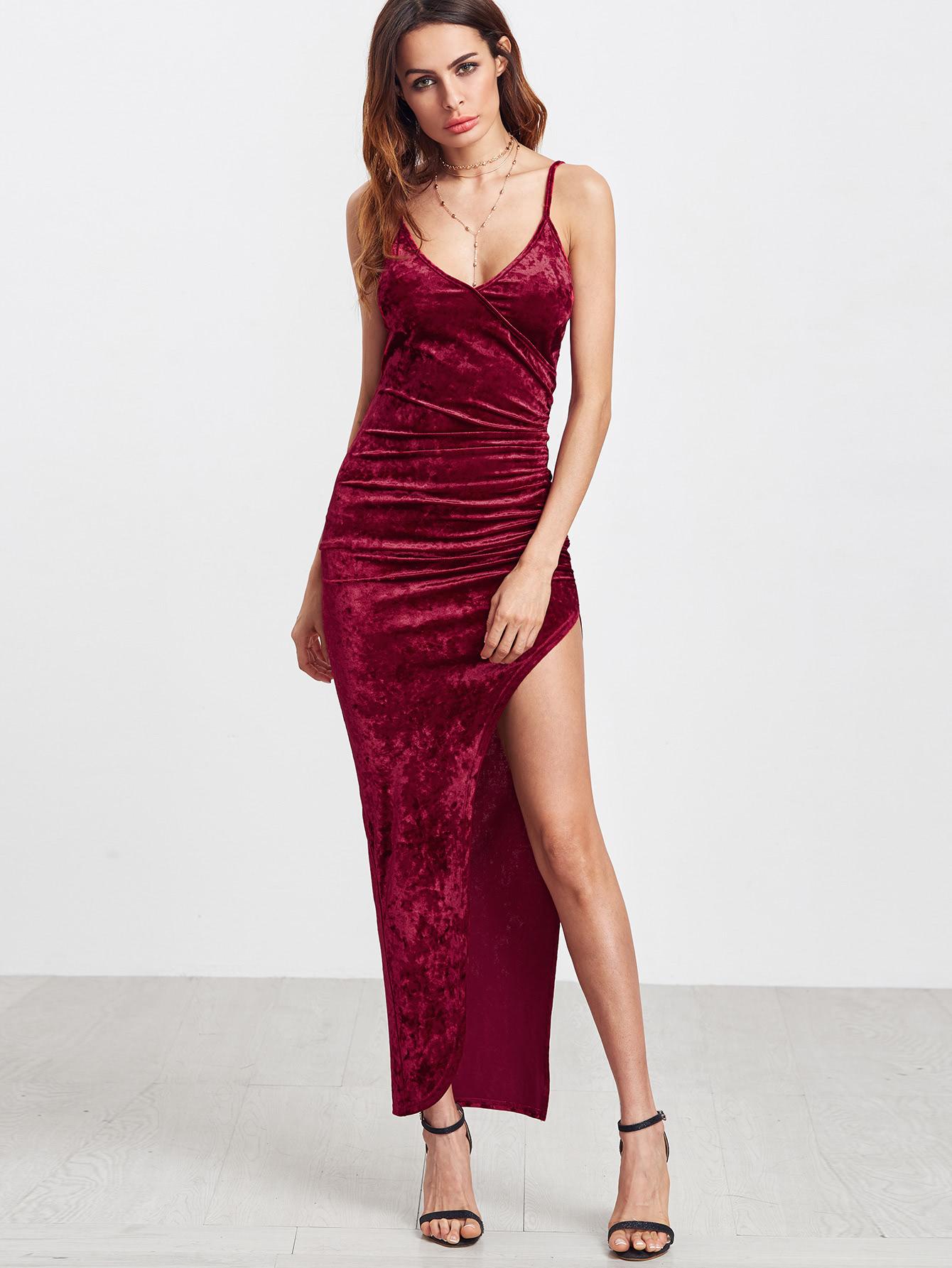 Платье с разрезом бархатное