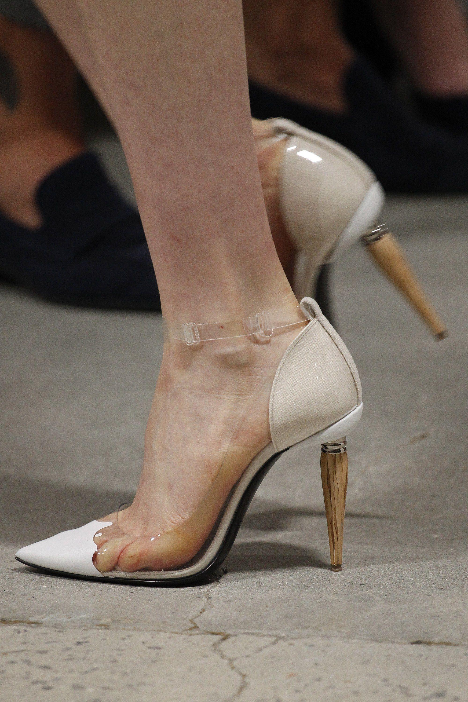 Туфли вечерние бежевые лаковые