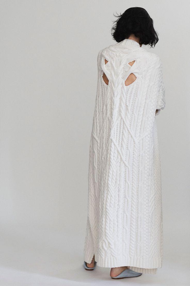 Платье вязаное белое макси