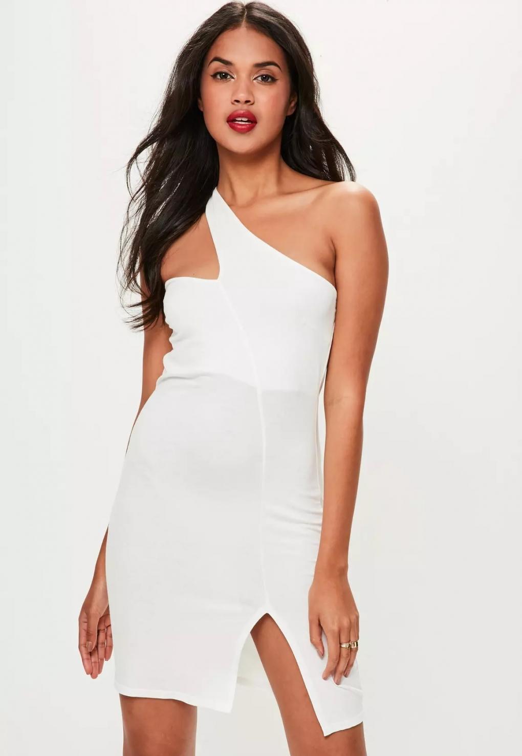 Платье футляр белое