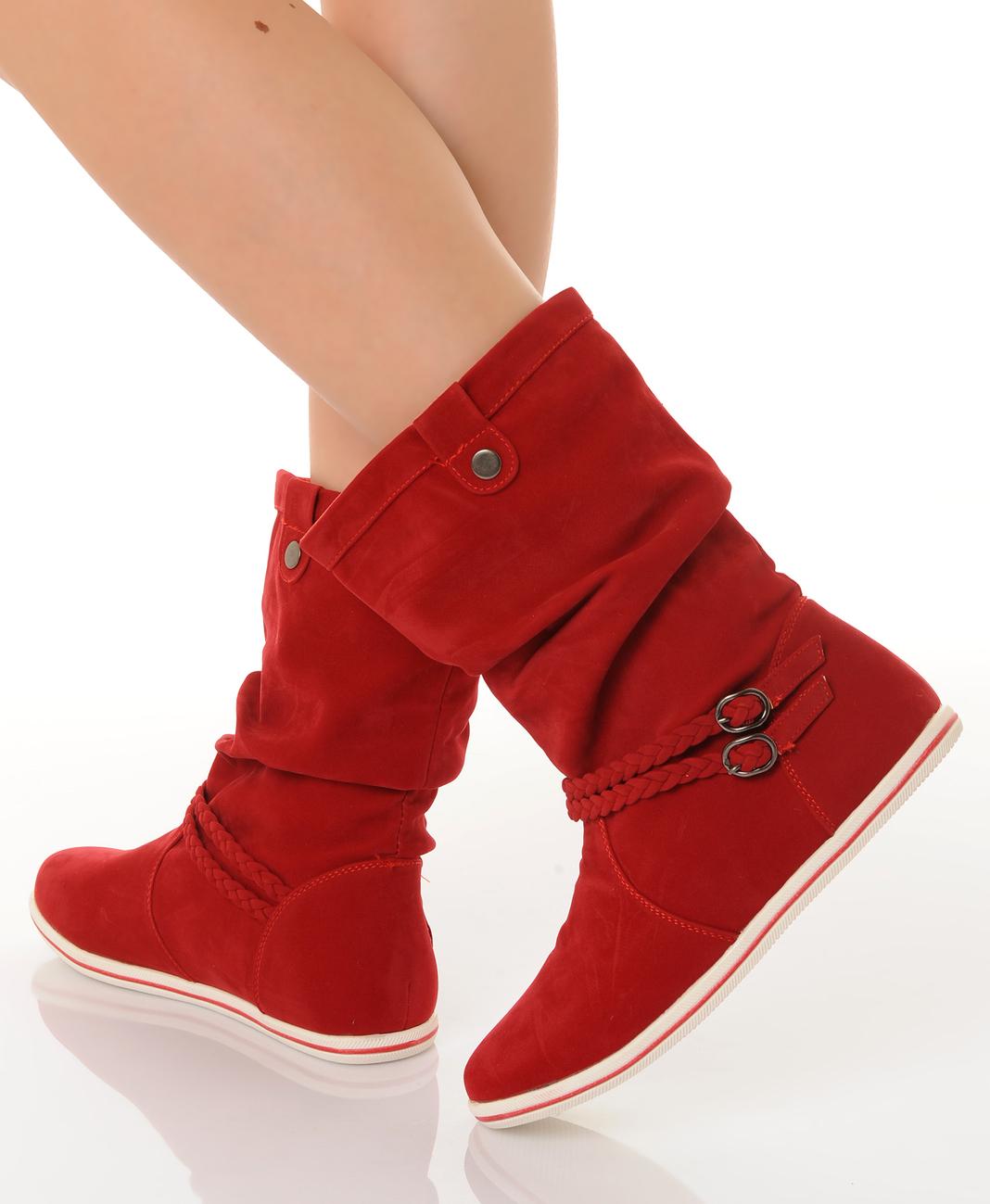 Красные ботинки без каблука