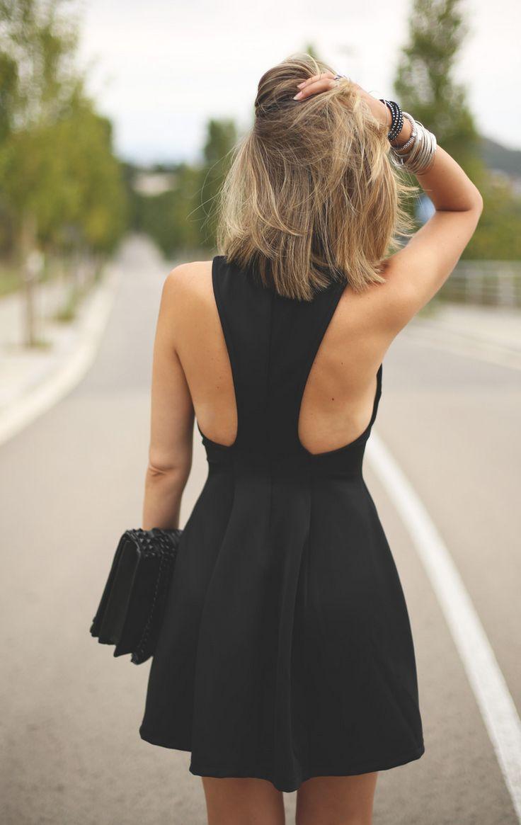 Платье с открытой спиной по бокам