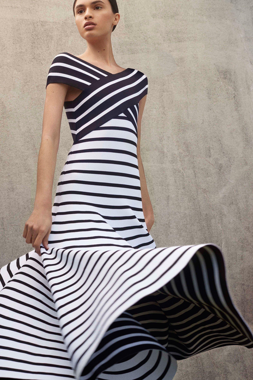 Платье футляр черно-белое