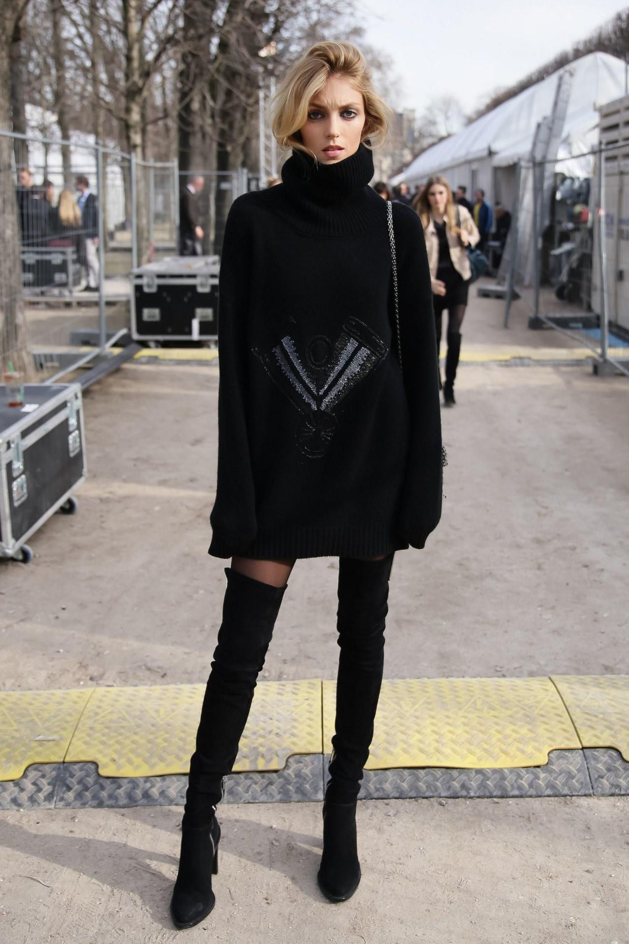 Платье вязаное черное с рисунком