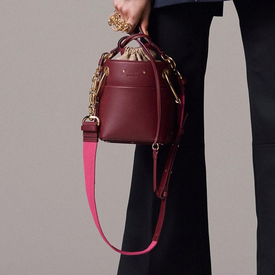 Бордовая сумка цилиндрическая