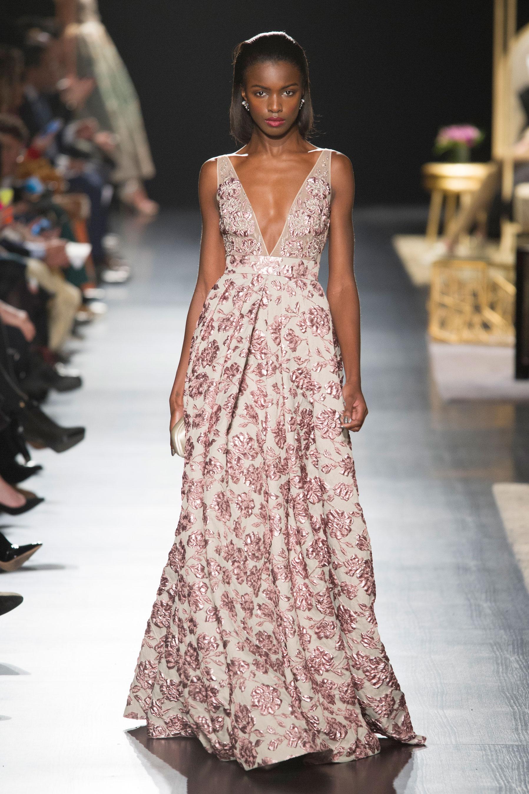 Шелковое платье с цветами