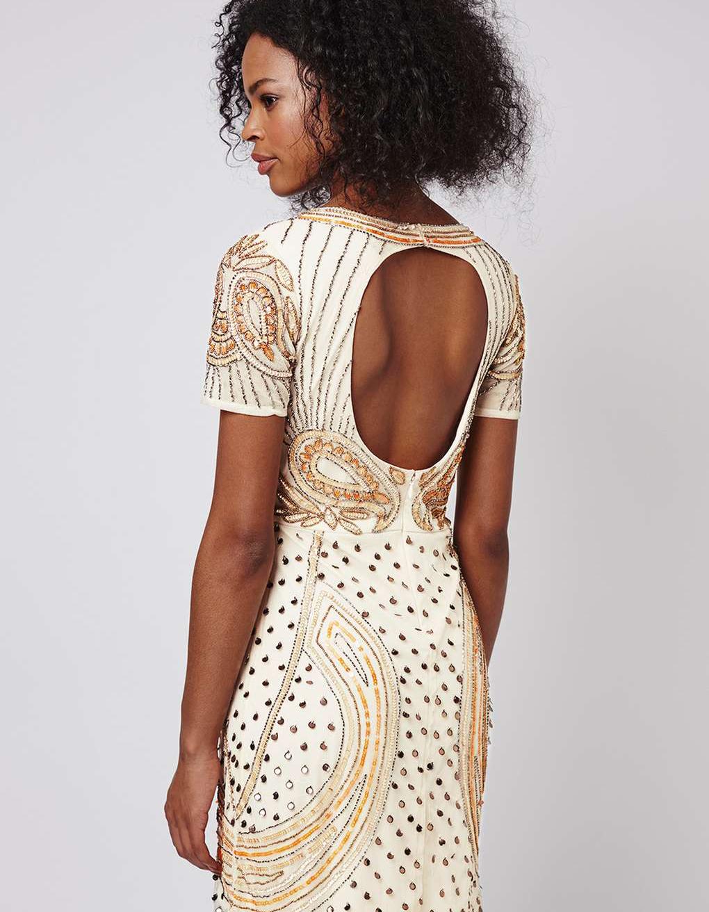 Платье с открытой спиной и декором