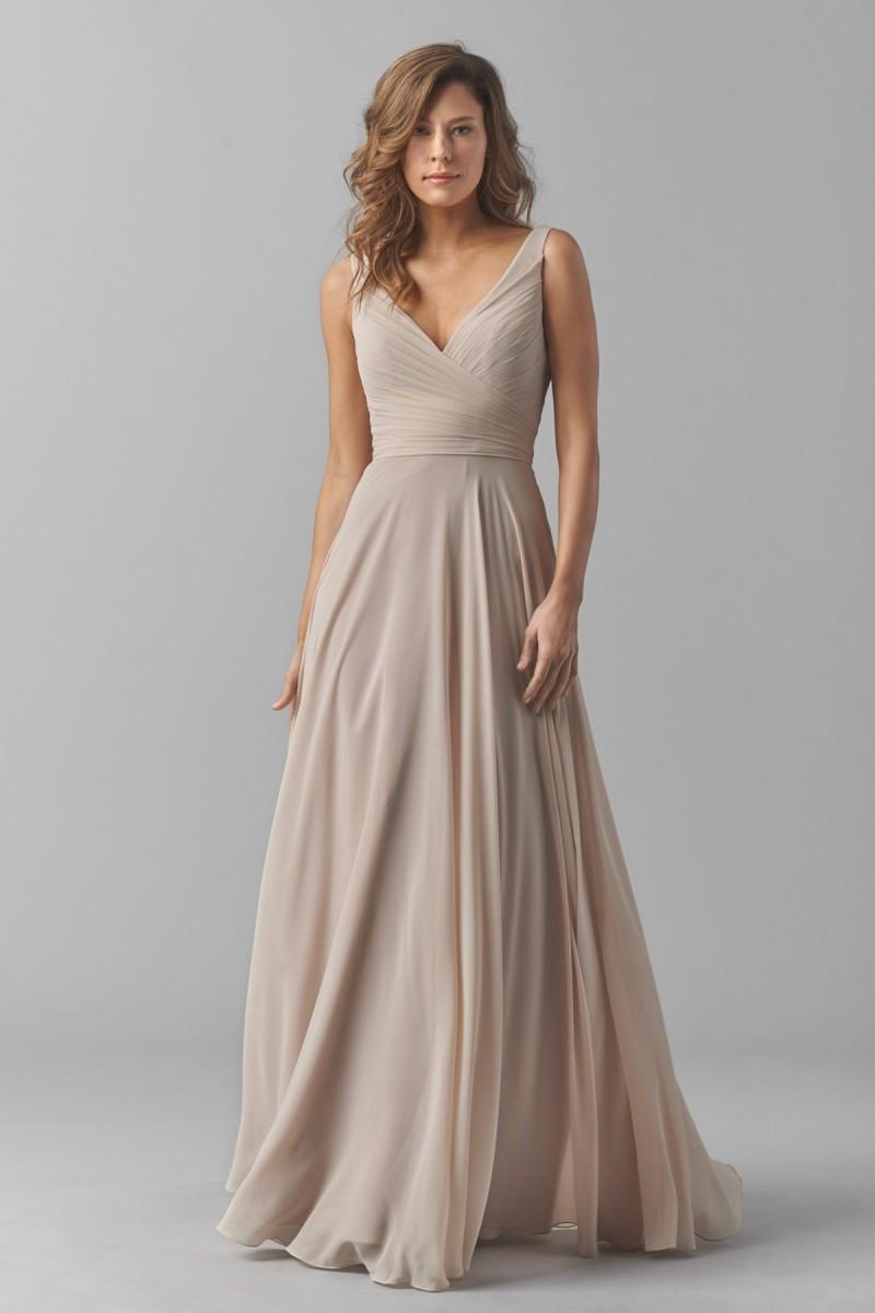 Платье из шифона длинное белое