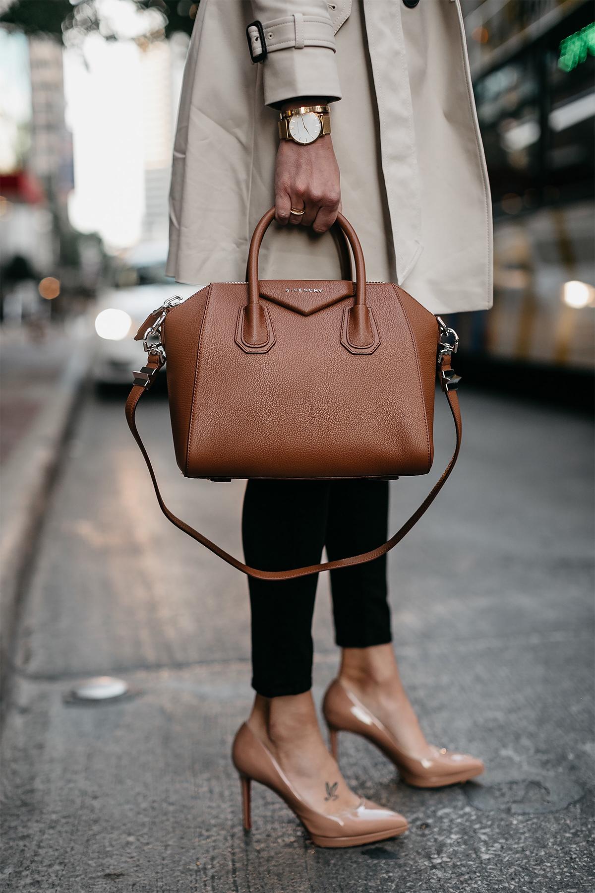 Классическая сумка Givenchy