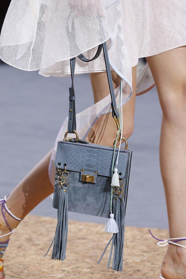 Классическая сумка голубая