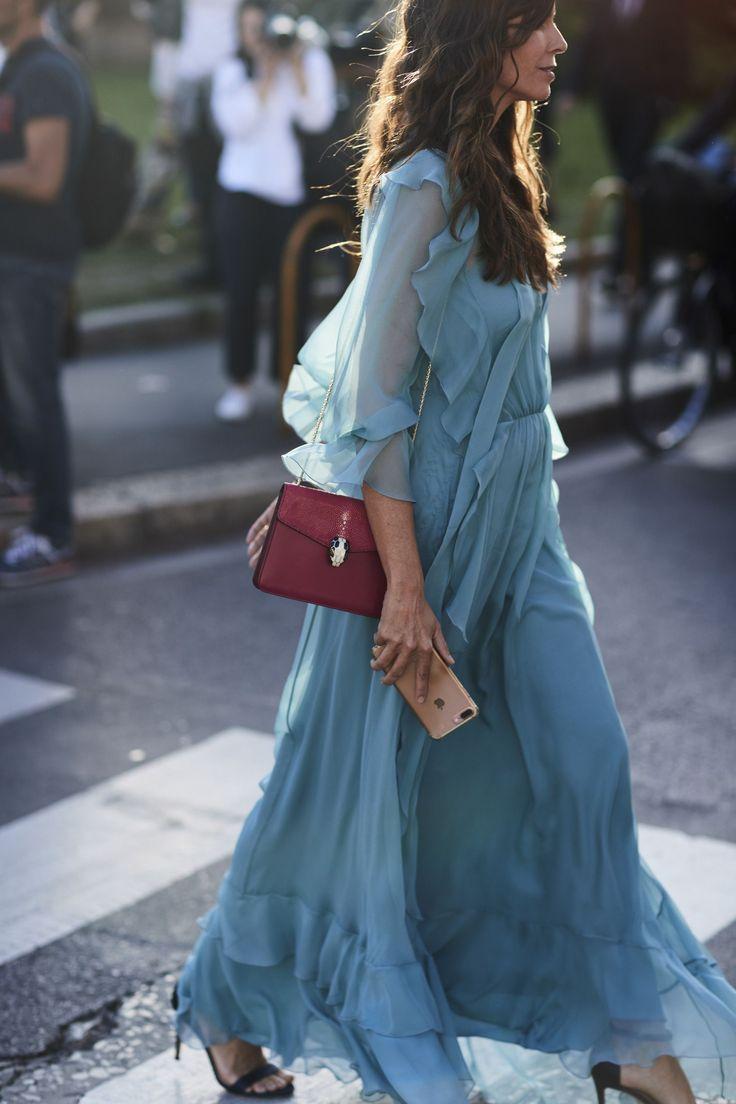 Платье из шифона голубое длинное