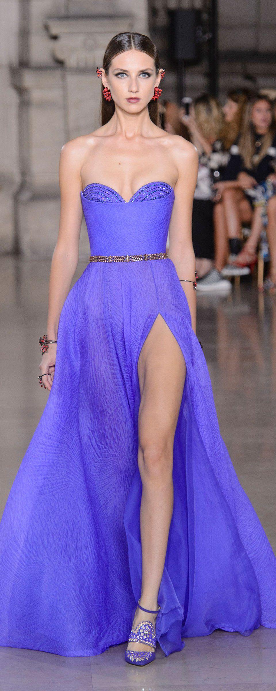 Шелковое платье голубое