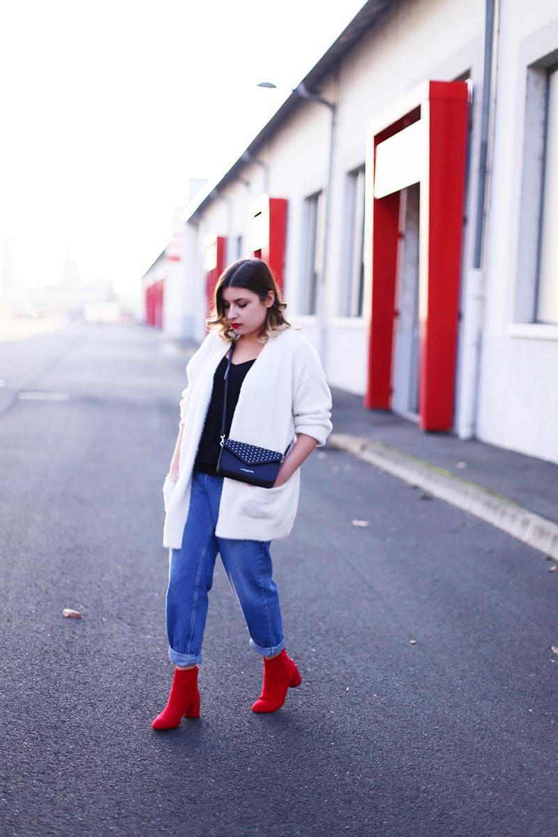 Красные ботинки на каблуке