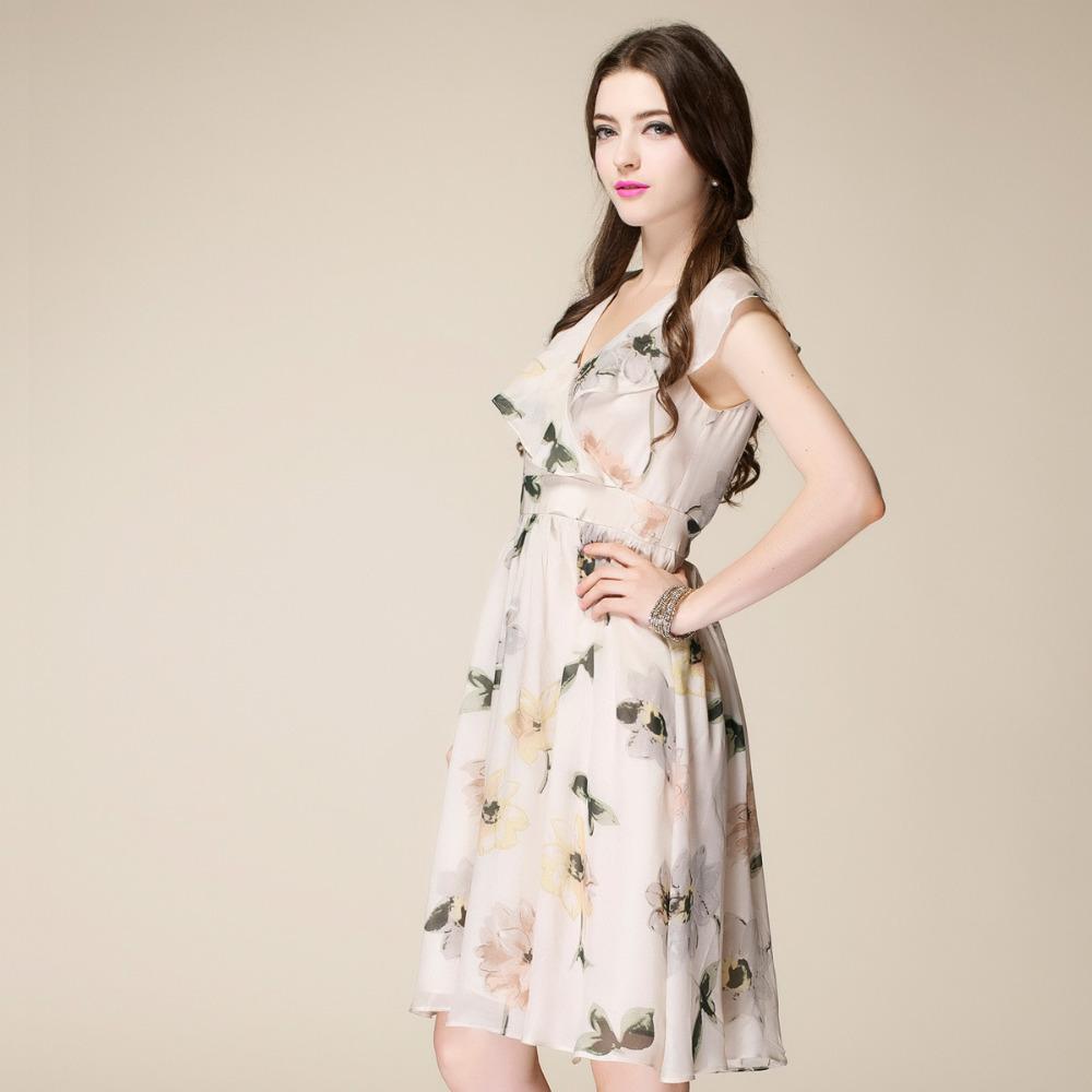 Платье из шифона короткое с цветами