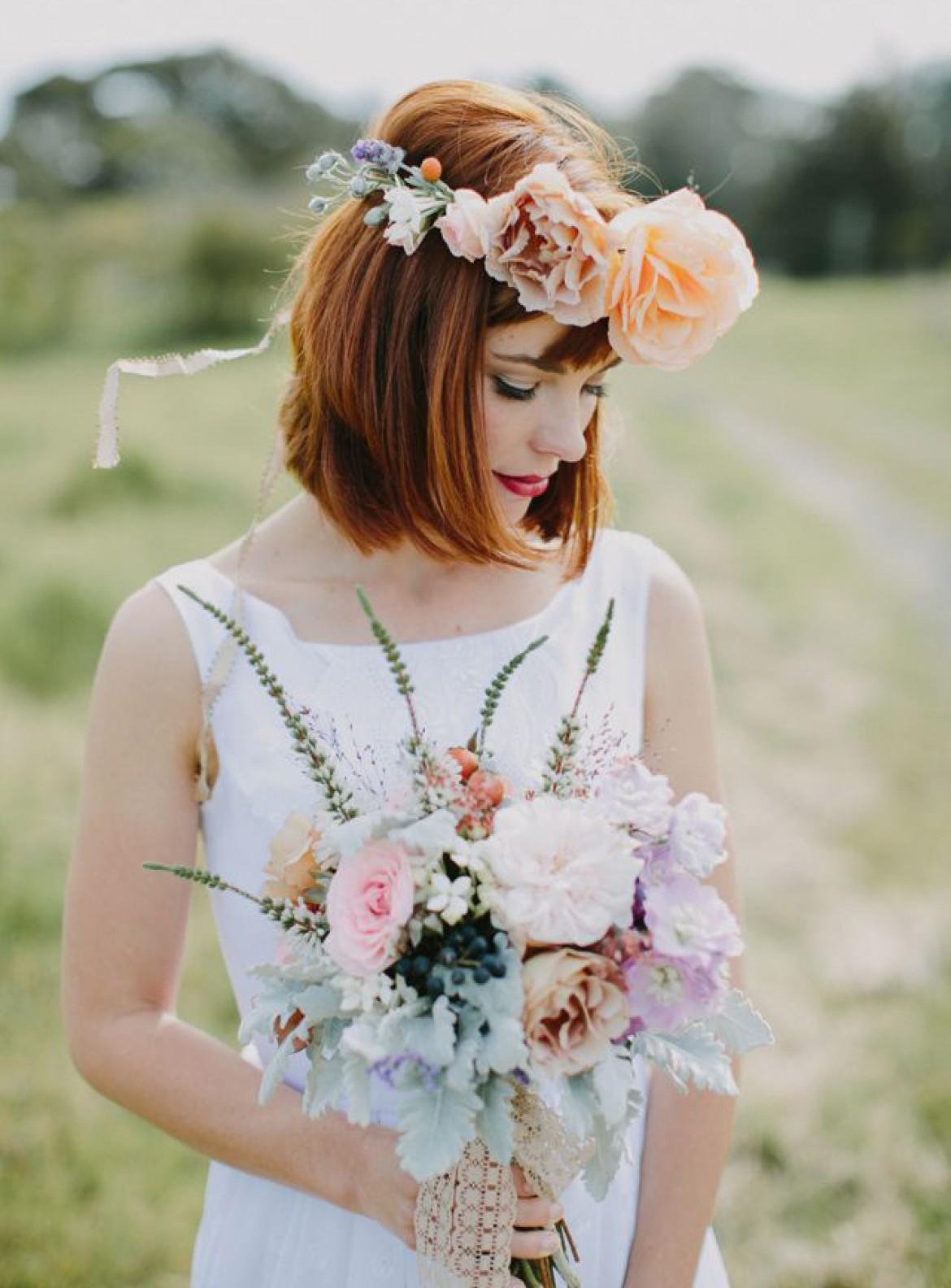 Свадебная прическа 2018 на короткие волосы рыжие