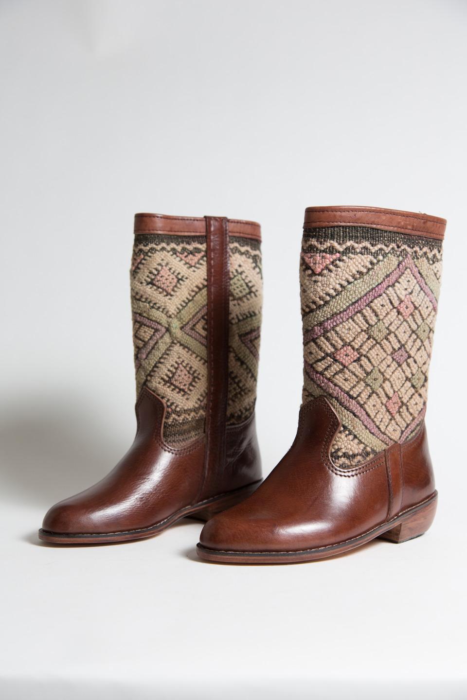 Коричневые ботинки ковбойские