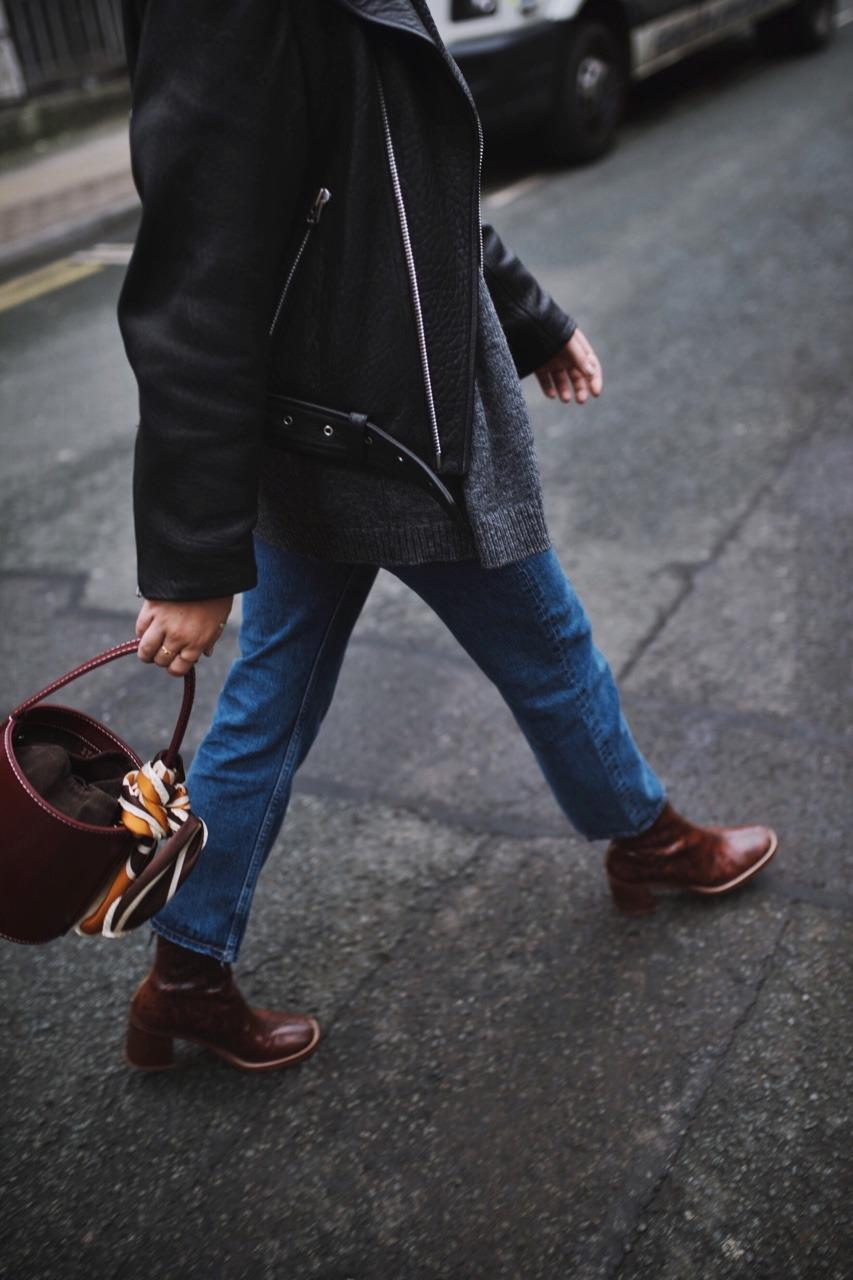 Коричневые ботинки из кожи